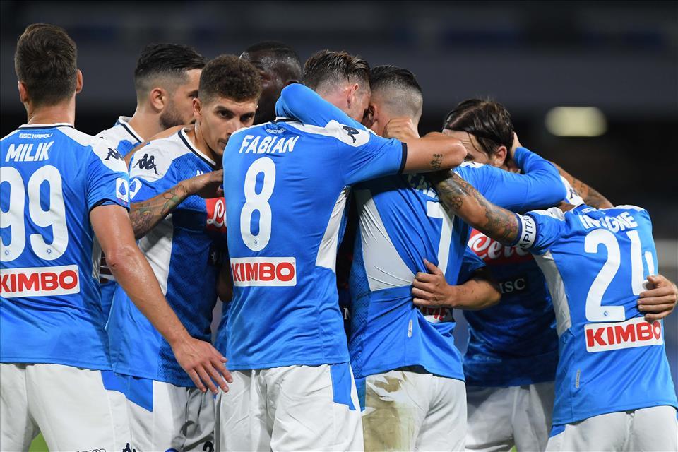 Napoli-Roma 2-1, pagelle / La superba prestazione di Insigne deve essere figlia di bastonate orgasmiche