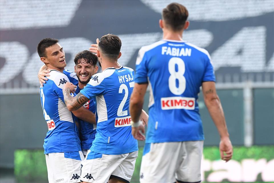 Genoa-Napoli 1-2, pagelle / Un Napoli maschio assai che prevale in ogni zona del campo