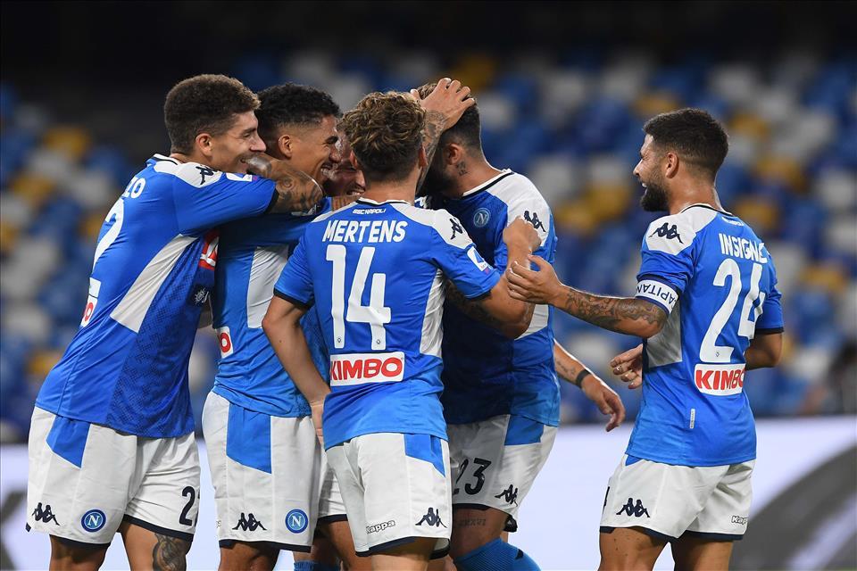 Napoli-Sassuolo 2-0, pagelle / Se ci fosse stato il Barcellona, sarebbe finita 4-2 per gli spagnoli