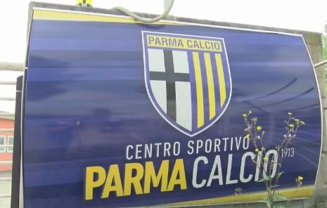 Tesserato del Parma positivo al coronavirus