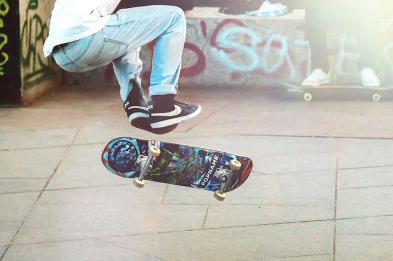 La guerra agli skaters. A Roma vengono multati: 103 euro