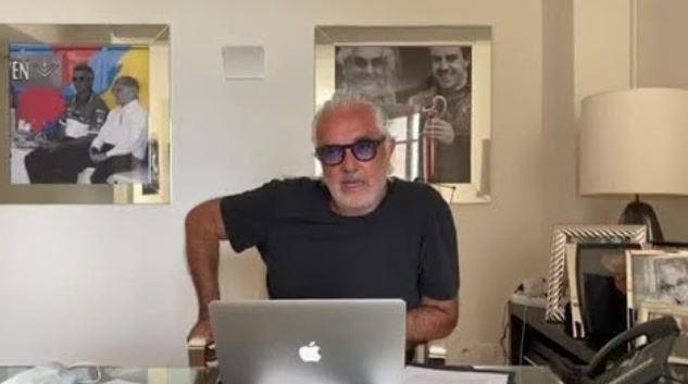 """Briatore contro De Luca: """"Chi attacca i vincenti è un frustrato e umanamente una m…."""""""