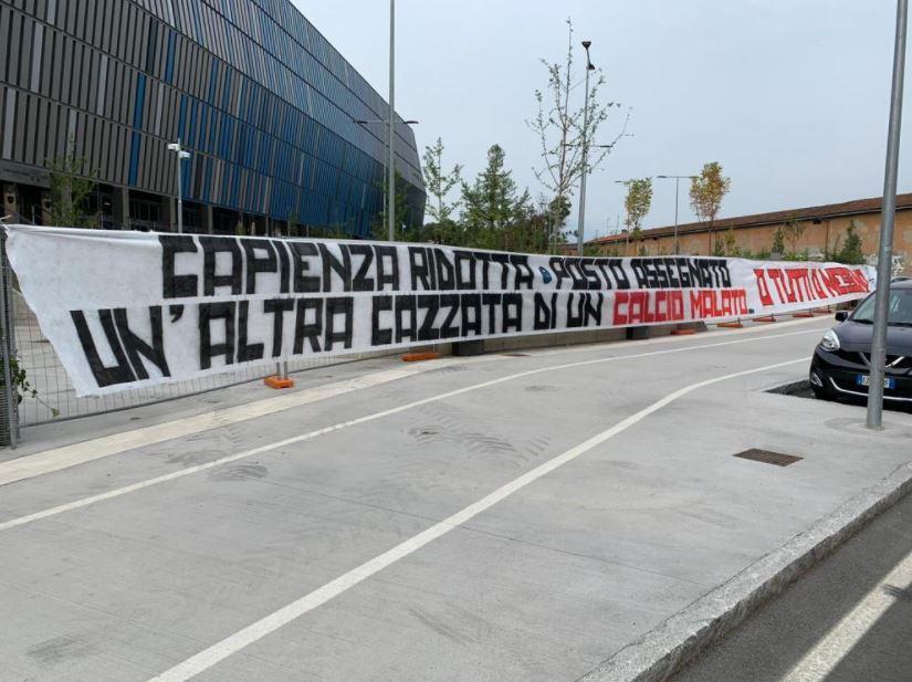 """Atalanta, ultras contro i mille tifosi allo stadio: """"Un'altra cazzata. O tutti o nessuno"""""""