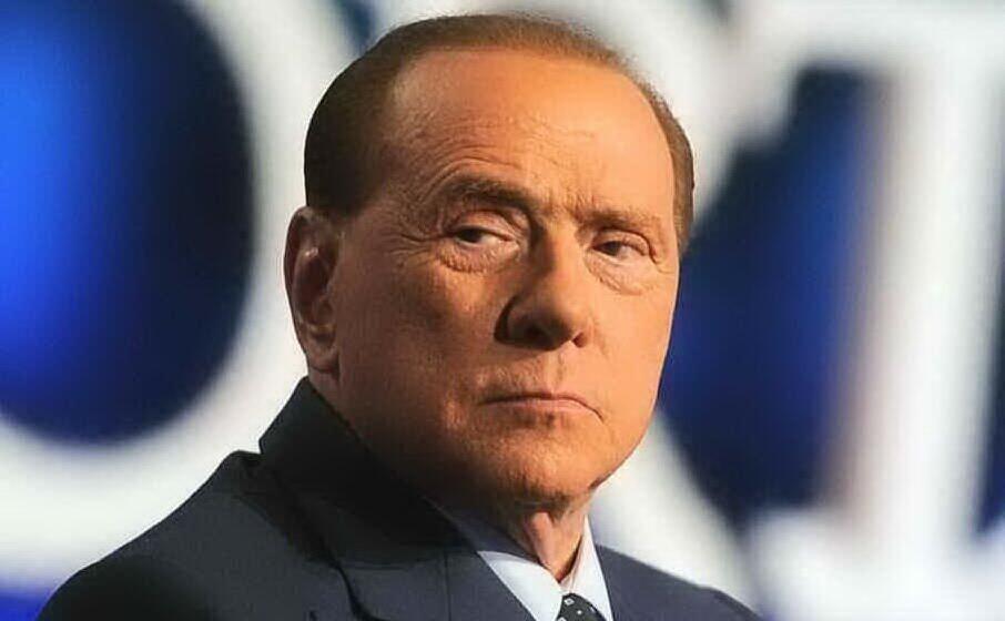 Repubblica: Berlusconi (ancora positivo) vuole essere ricoverato, ma i medici dicono di no