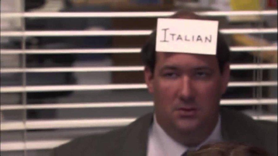 """""""Suarez mastica l'italiano"""" ma l'esame """"mordi e fuggi"""" era una farsa. E Twitter si scatena"""