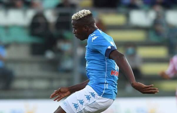Tuttosport: infortunio Osimhen, lo staff della Nazionale nigeriana gli ha fatto infiammare un tendine