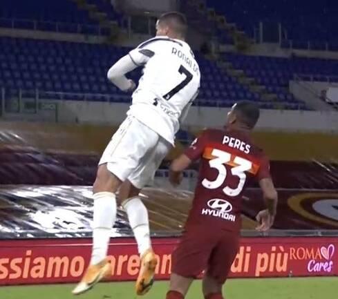 La Roma riesce a non battere la Juventus sul 2-1 e un uomo in più (finisce 2-2)