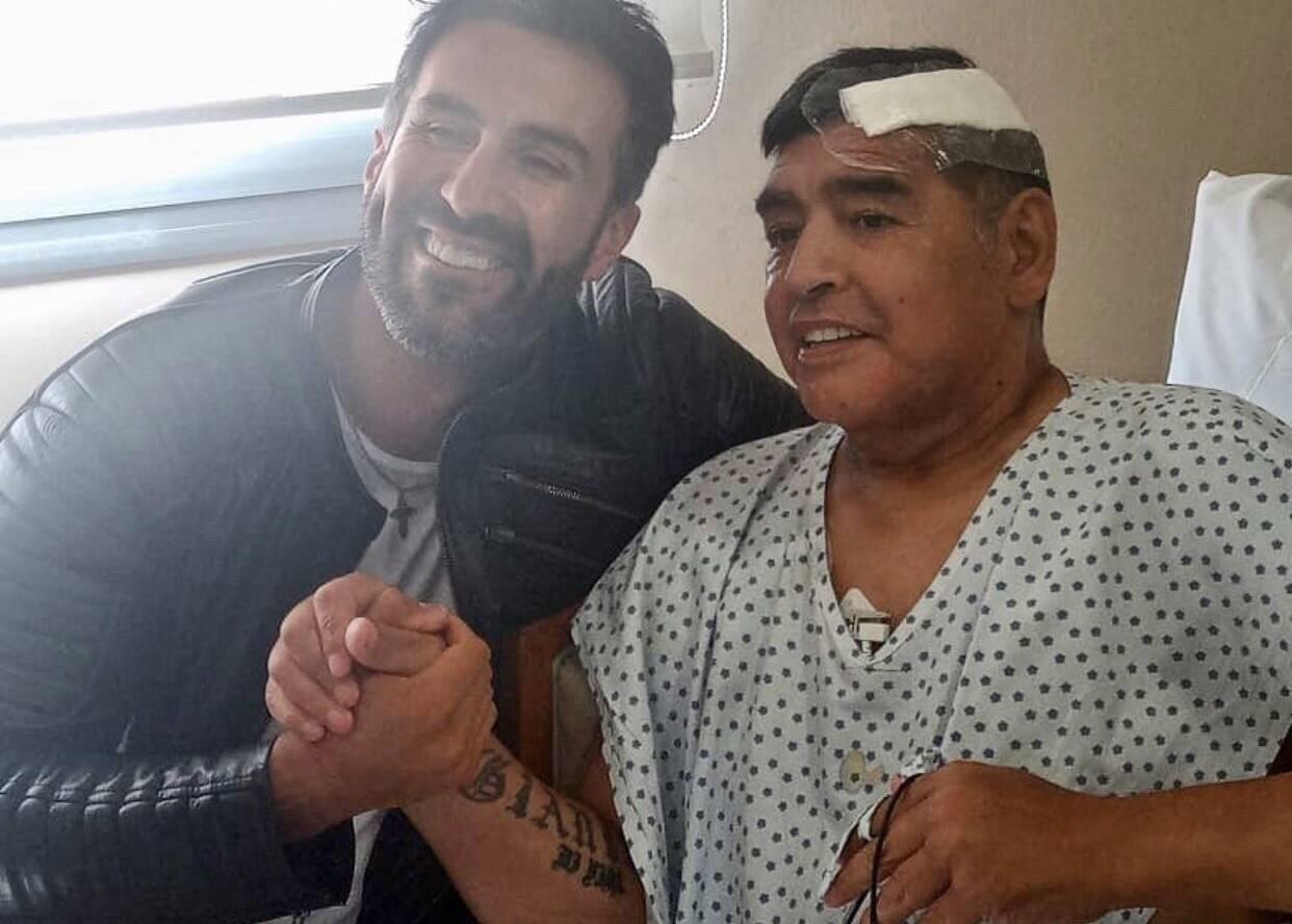 """Repubblica: """"Maradona è morto in una casa senza gabinetto, col cuore che pompava al 38%"""""""