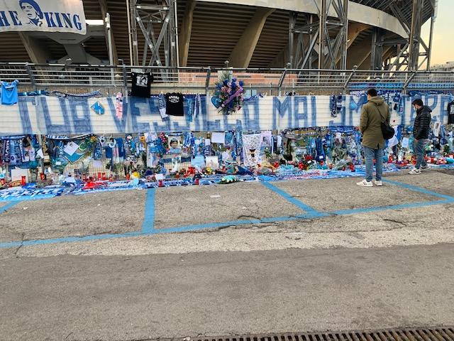 Il vicepresidente della Regione: «Nessun assembramento per Maradona, c'è razzismo verso Napoli»