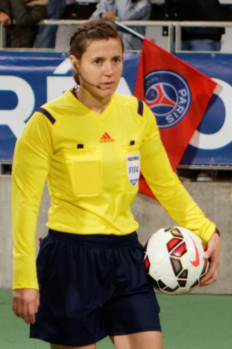 L'UEFA lancia un altro arbitro donna: esordio in Europa per l'ucraina Monzul