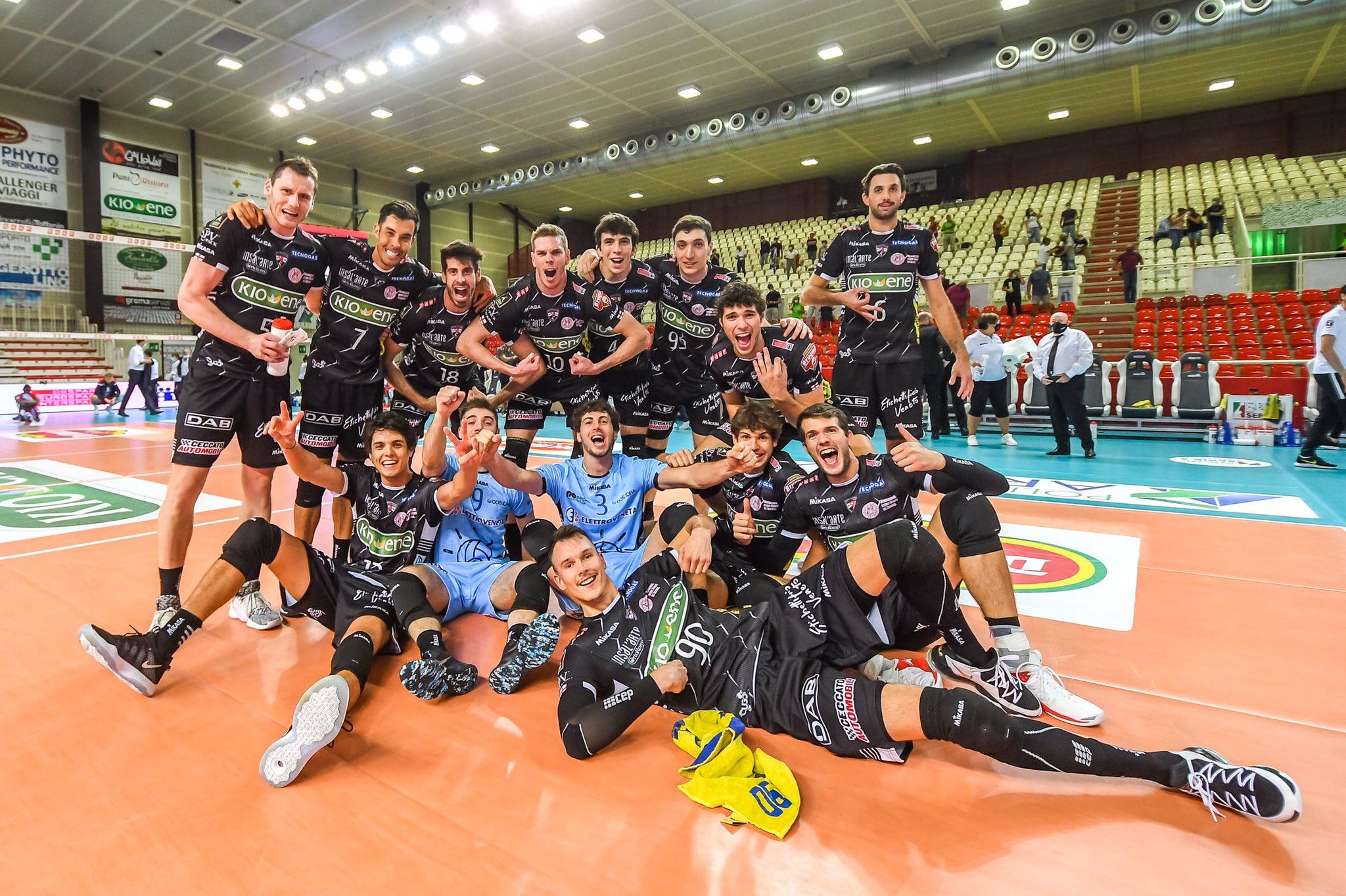 Volley, il Trento è decimato dal Covid, il Padova dà l'ok per il rinvio: «Non era giusto giocare»