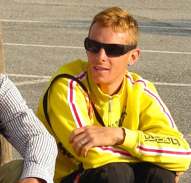 """Il ciclista che è quasi morto di doping ora fa il no-vax: """"La merda fatevela iniettare voi"""""""