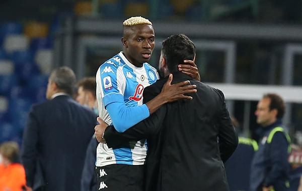 Il Napoli completa la rimonta (2-0 al Torino) e per ora sbatte la Juventus fuori dalla Champions