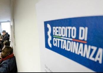 I sussidi erogati a Napoli per il reddito di cittadinanza sono pari a quelli di tutto il Nord Italia