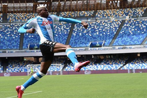 Napoli-Cagliari 1-1, pagelle / Osimhen un portento divino, una vergogna il gol annullato