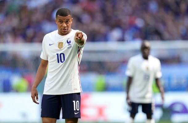 La Francia fa la snob, l'Ungheria rischia di vincere (1-1)