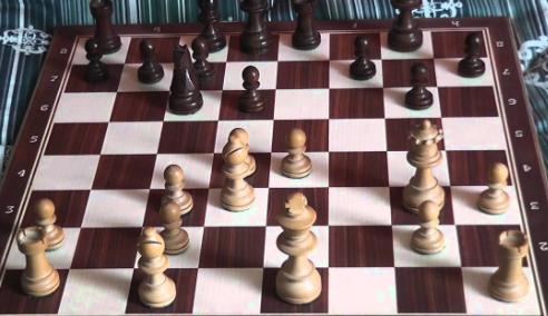 Come portare i calciatori a decidere velocemente? L'Elche gli insegna a giocare a scacchi