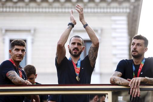 """La Stampa e il bus scoperto: """"Ai calciatori è concesso quel che ai normali cittadini è vietato"""""""