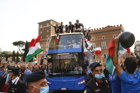 Il prefetto di Roma: «La Figc ha violato i patti per la sfilata. Pressioni da Bonucci e Chiellini»