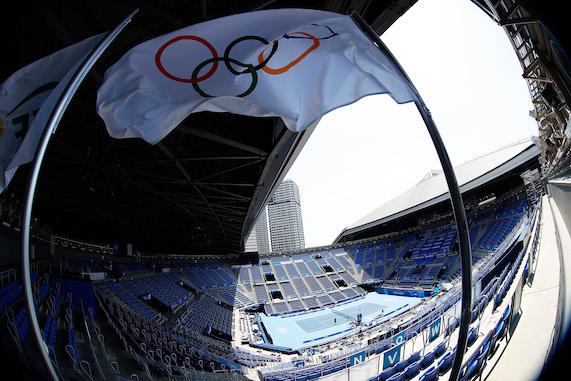 Tokyo 2020, il direttore esecutivo: «C'è stato un party alcolico tra atleti di diverse delegazioni»