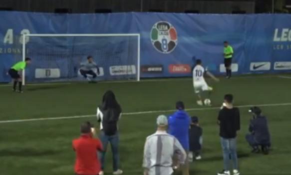 Totti sbaglia il rigore: la Lazio vince la Coppa Italia di Calcio a 8 (VIDEO)