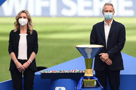 Vezzali: «Parlare di aiuti al calcio rischia di essere poco comprensibile per i cittadini»