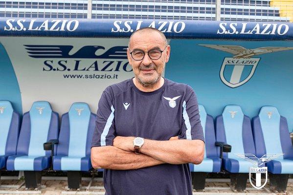 I tifosi della Lazio criticano Muriqi in ritiro, Sarri lo difende (VIDEO)