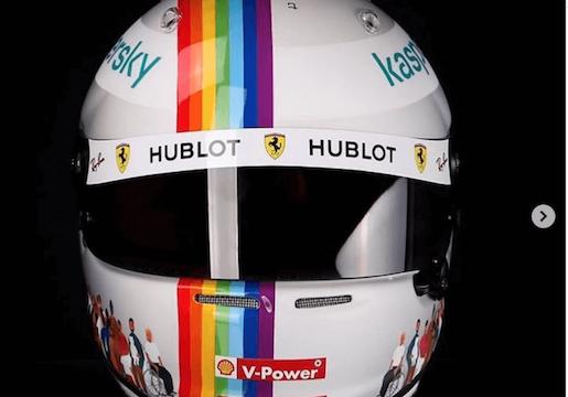 Vettel contro Orban e col casco arcobaleno: «Imbarazzante votare leggi come questa»