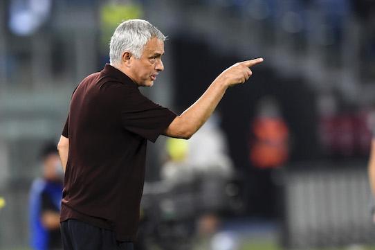La Stampa: addio nemici, ora Mourinho va alla ricerca di amici